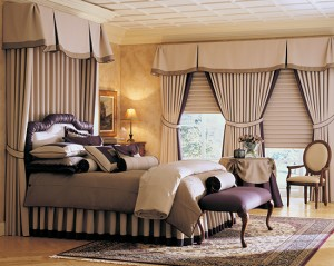 difference between curtains and drapes